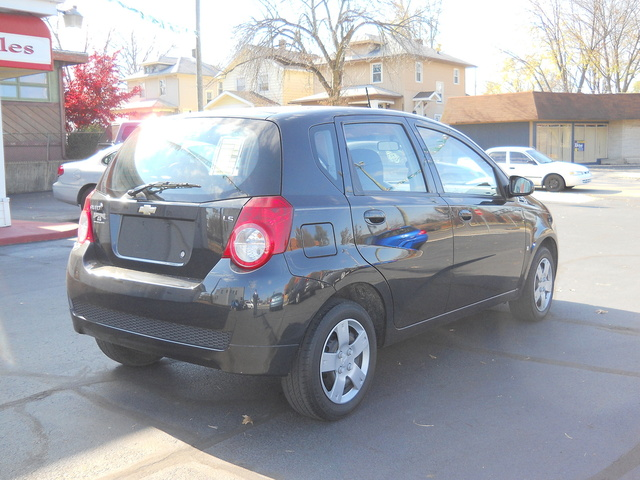 Picture of 2009 Chevrolet Aveo Aveo5 LS Hatchback FWD, exterior, gallery_worthy