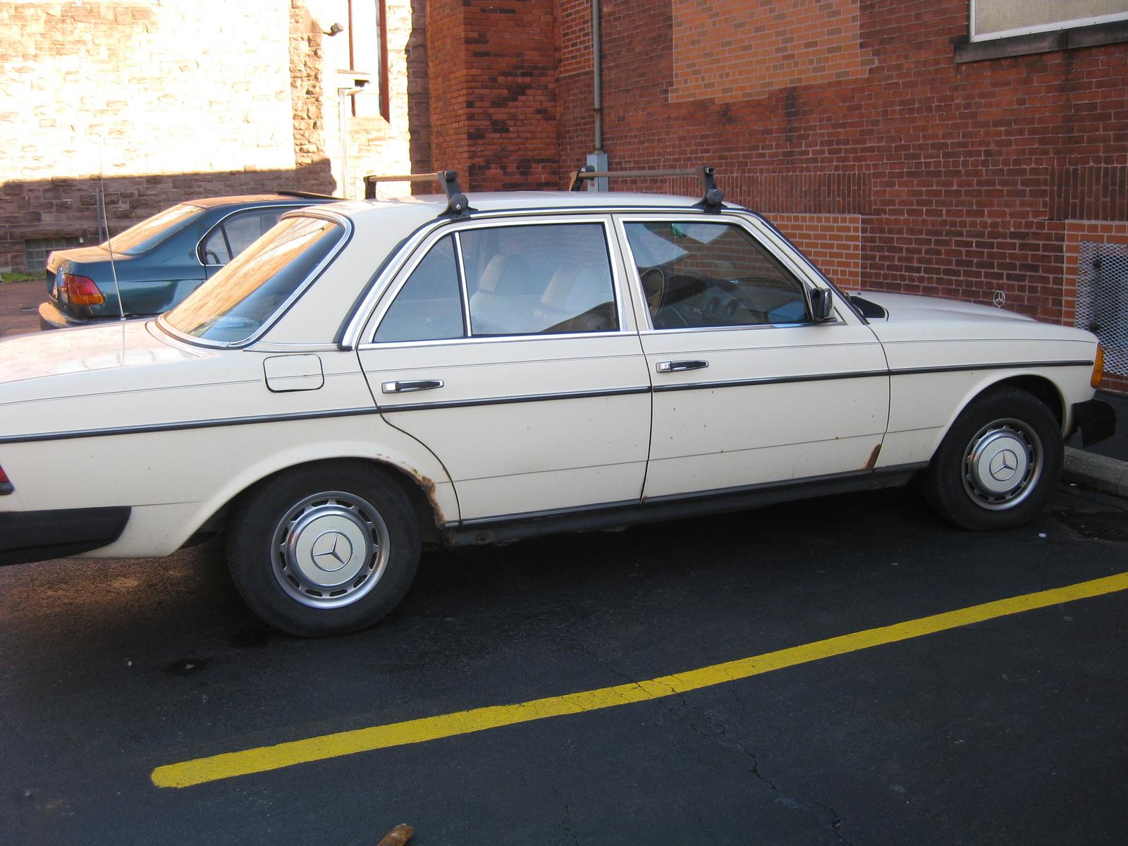 1983 mercedes benz 240 pictures cargurus for Mercedes benz cl 240