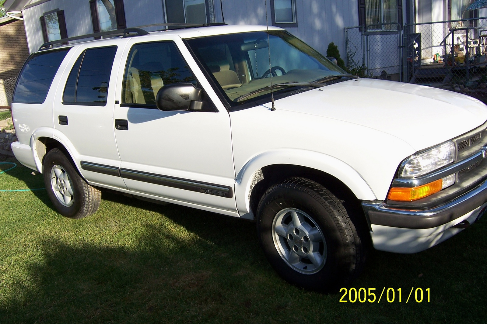 Picture of 2001 Chevrolet Blazer 4 Dr LS 4WD SUV, exterior