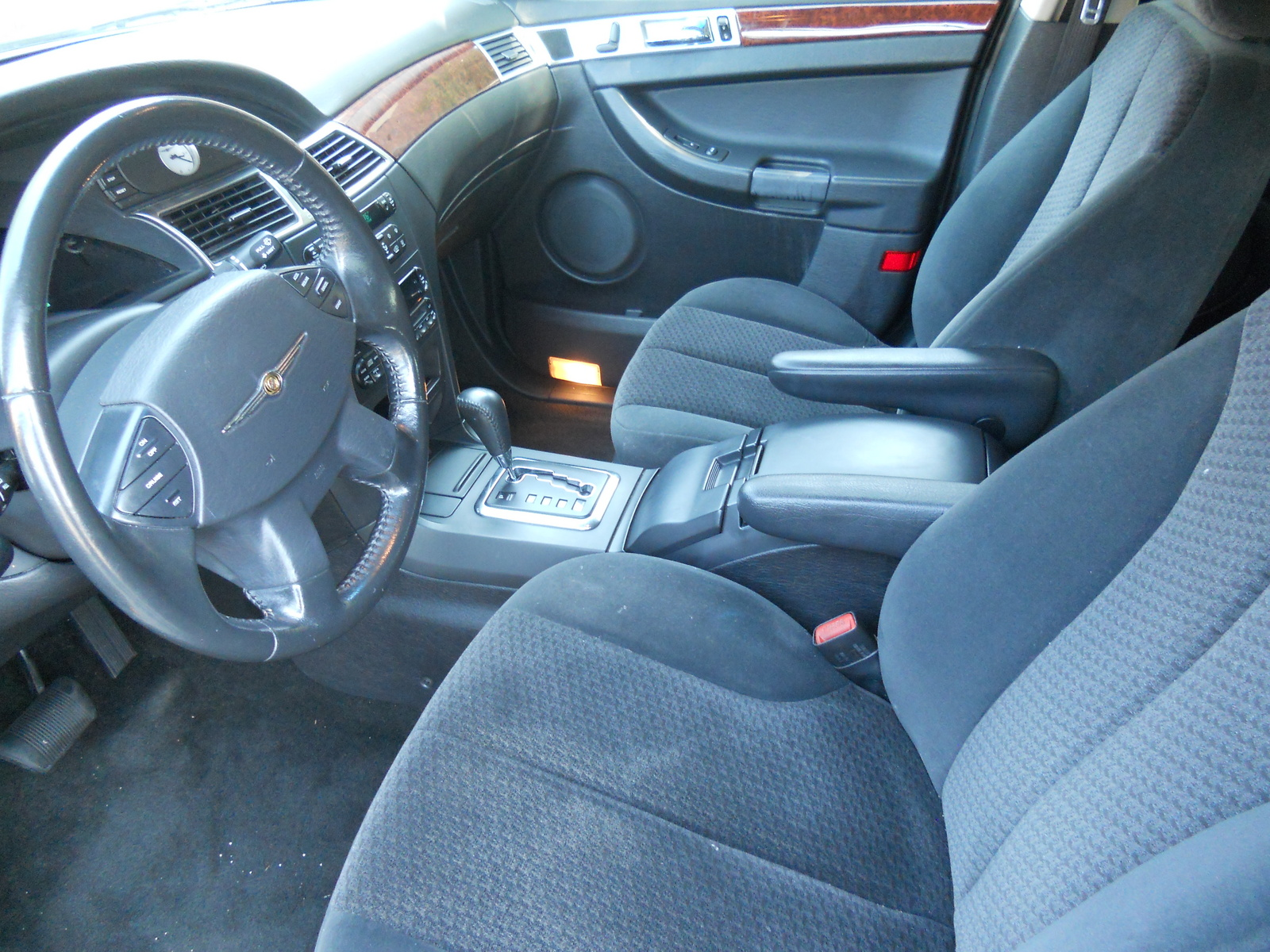 Chrysler Pacifica Base Pic