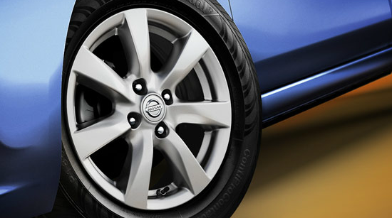 2013 Nissan Versa, Front Tire., exterior, manufacturer