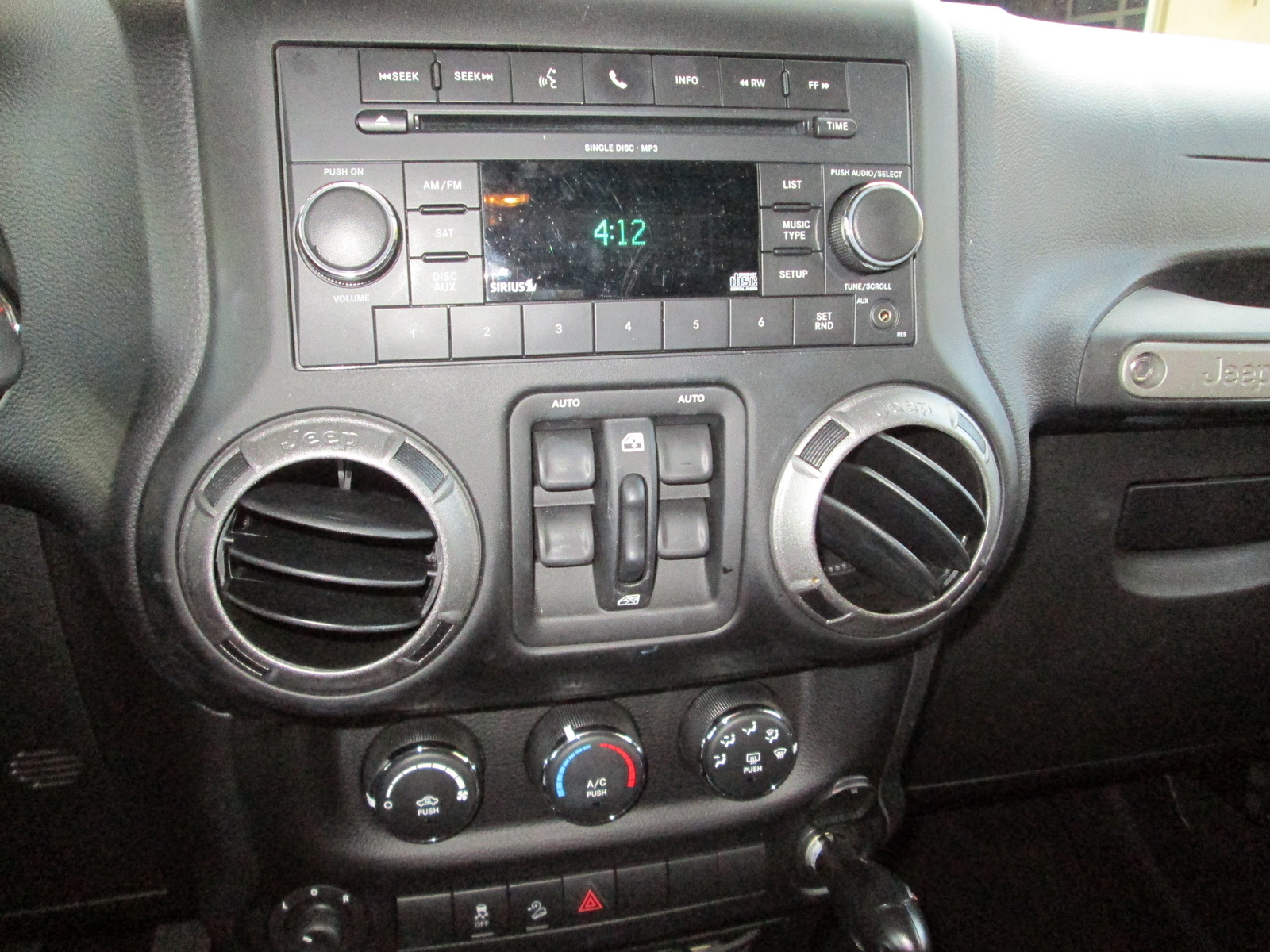2011 Jeep Wrangler Unlimited Sport Interior Pictures To Pin On Pinterest Pinsdaddy