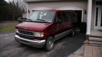 2000 Ford E-150 Overview