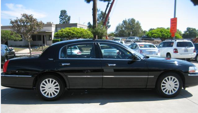 2005 Lincoln Town Car Signature Limited, Lincoln Towncar 2005 Signature L, exterior