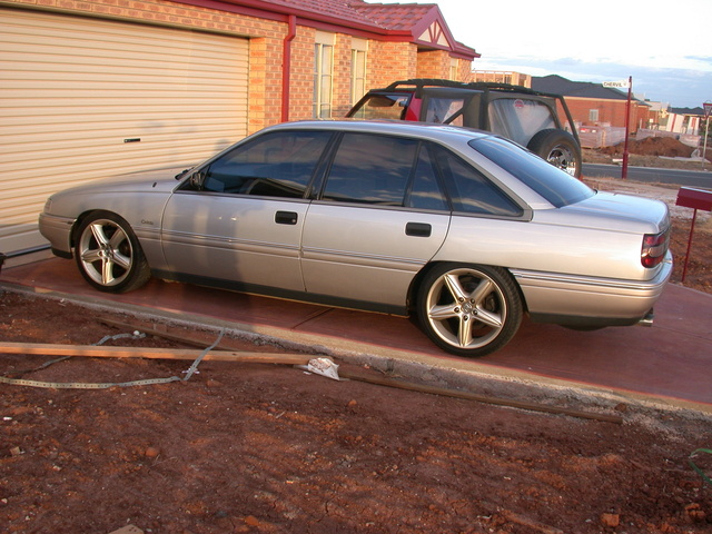 Picture of 1991 Holden Calais, exterior, gallery_worthy