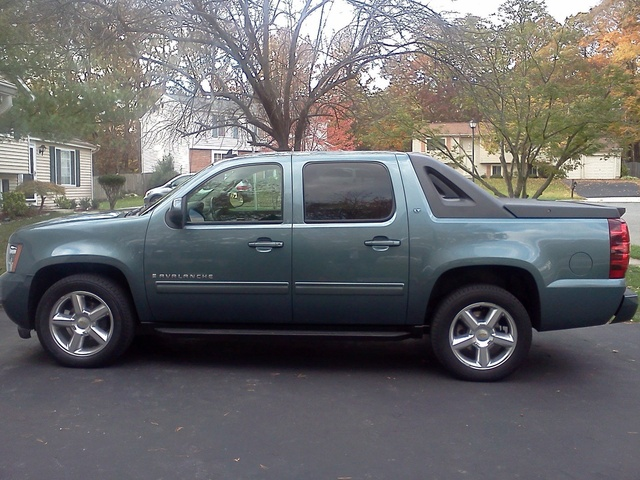 Picture of 2009 Chevrolet Avalanche LT1 4WD, exterior, gallery_worthy