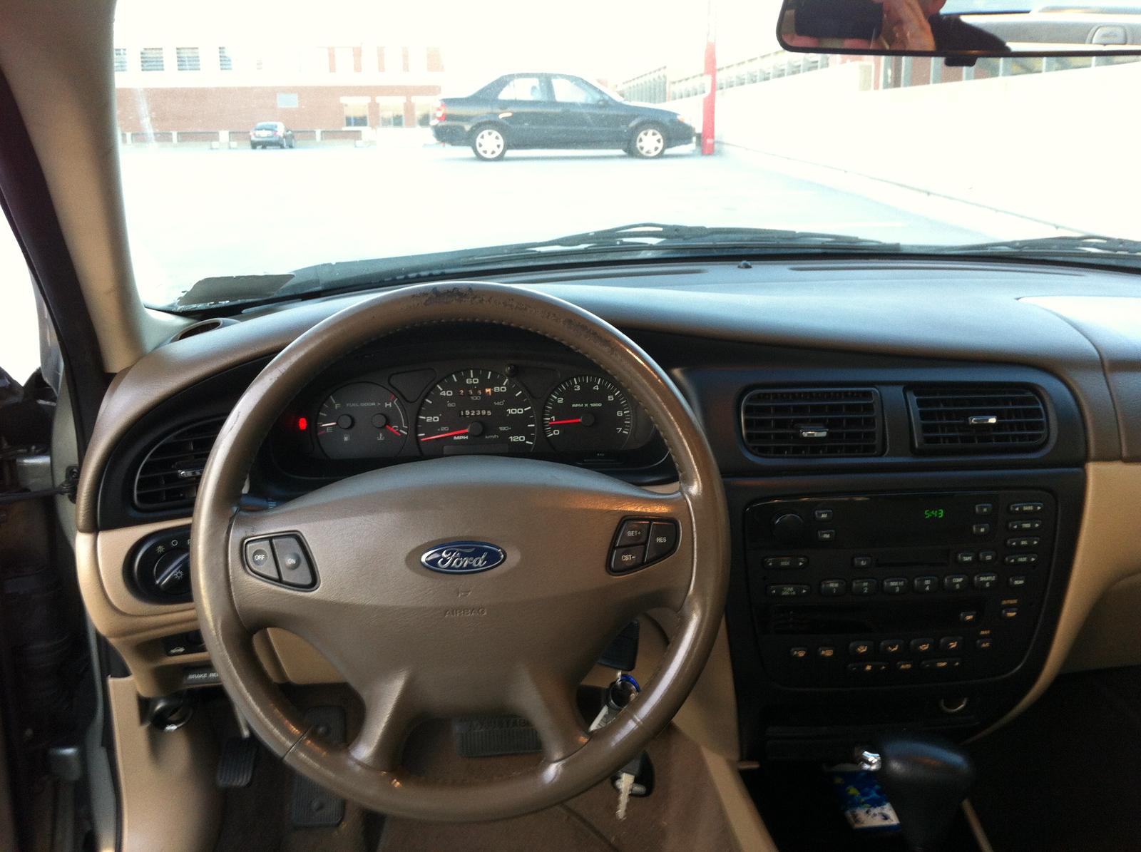 2002 Ford Taurus - Interior Pictures