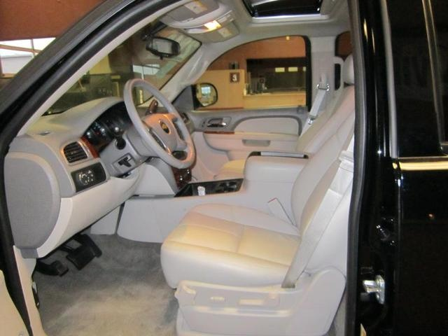 Picture of 2013 Chevrolet Suburban LT 1500, interior