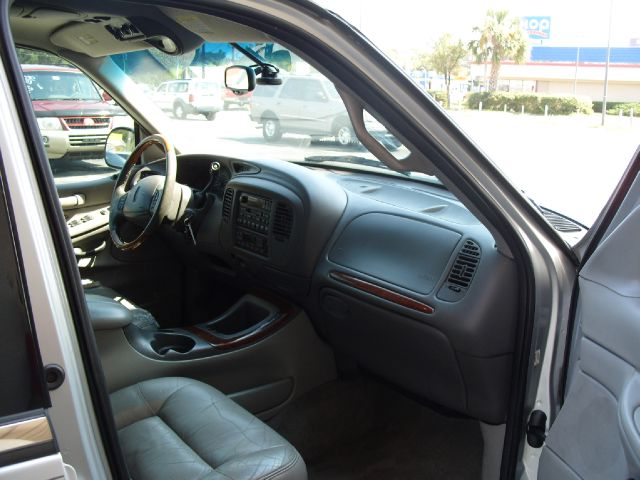 1999 lincoln navigator interior pictures cargurus. Black Bedroom Furniture Sets. Home Design Ideas