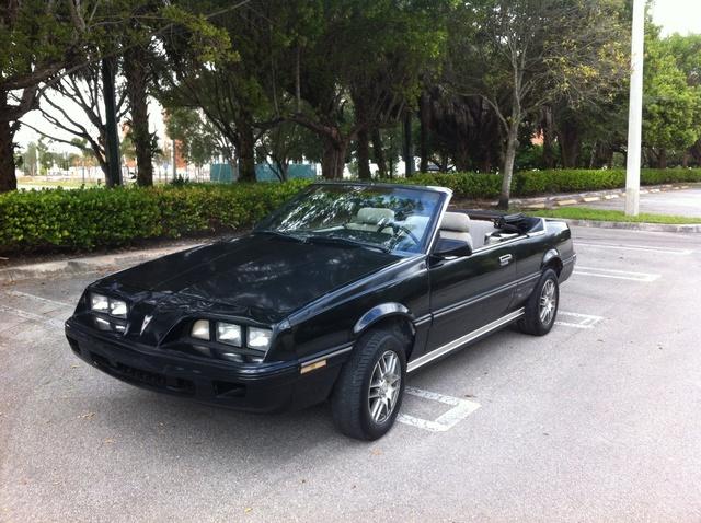 Picture of 1985 Pontiac Sunbird