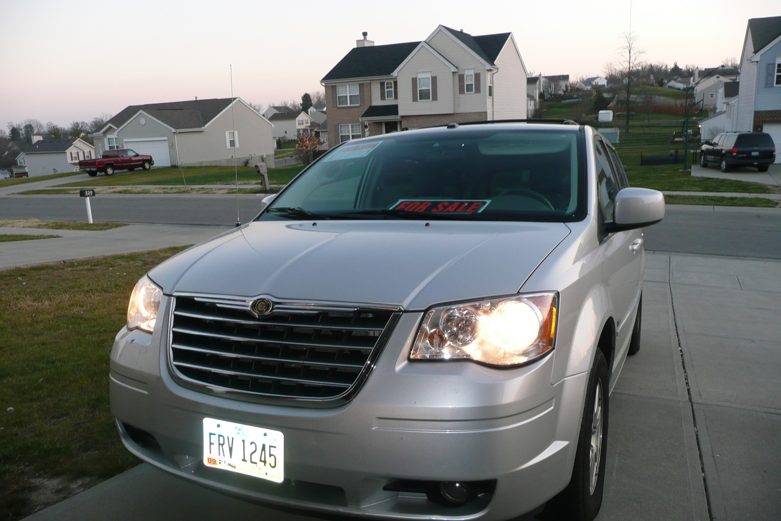 2013 chrysler town country touring l price specs html autos post. Black Bedroom Furniture Sets. Home Design Ideas