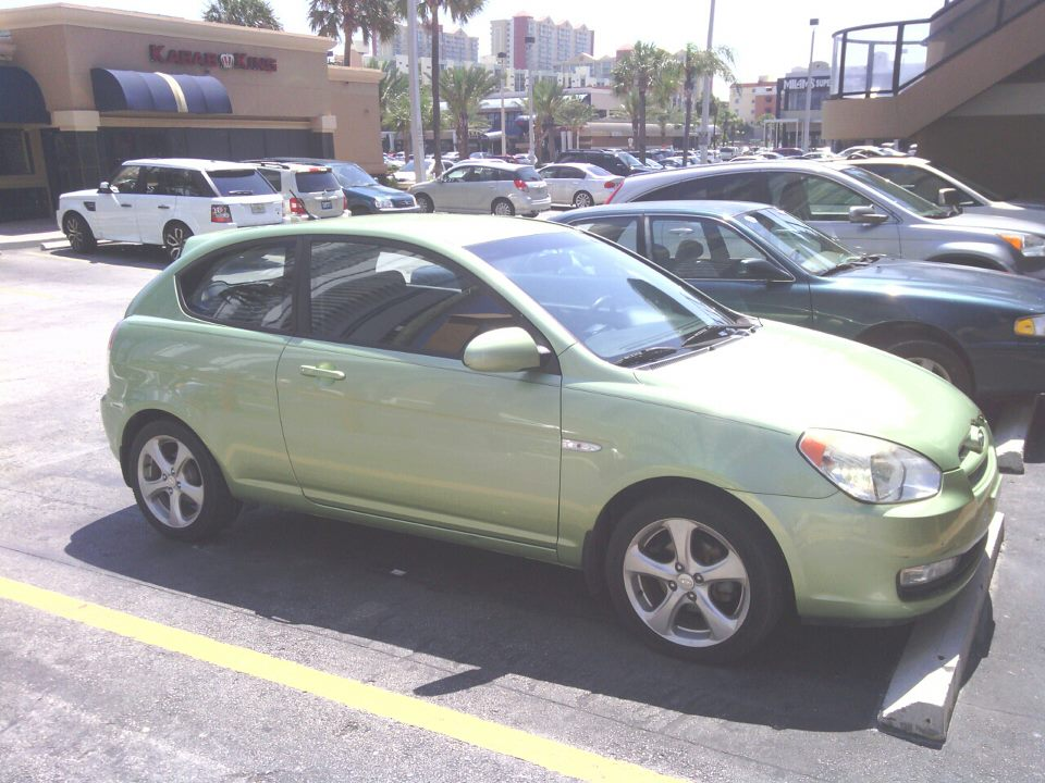 Picture of 2007 Hyundai Accent 2 Dr SE Hatchback, exterior