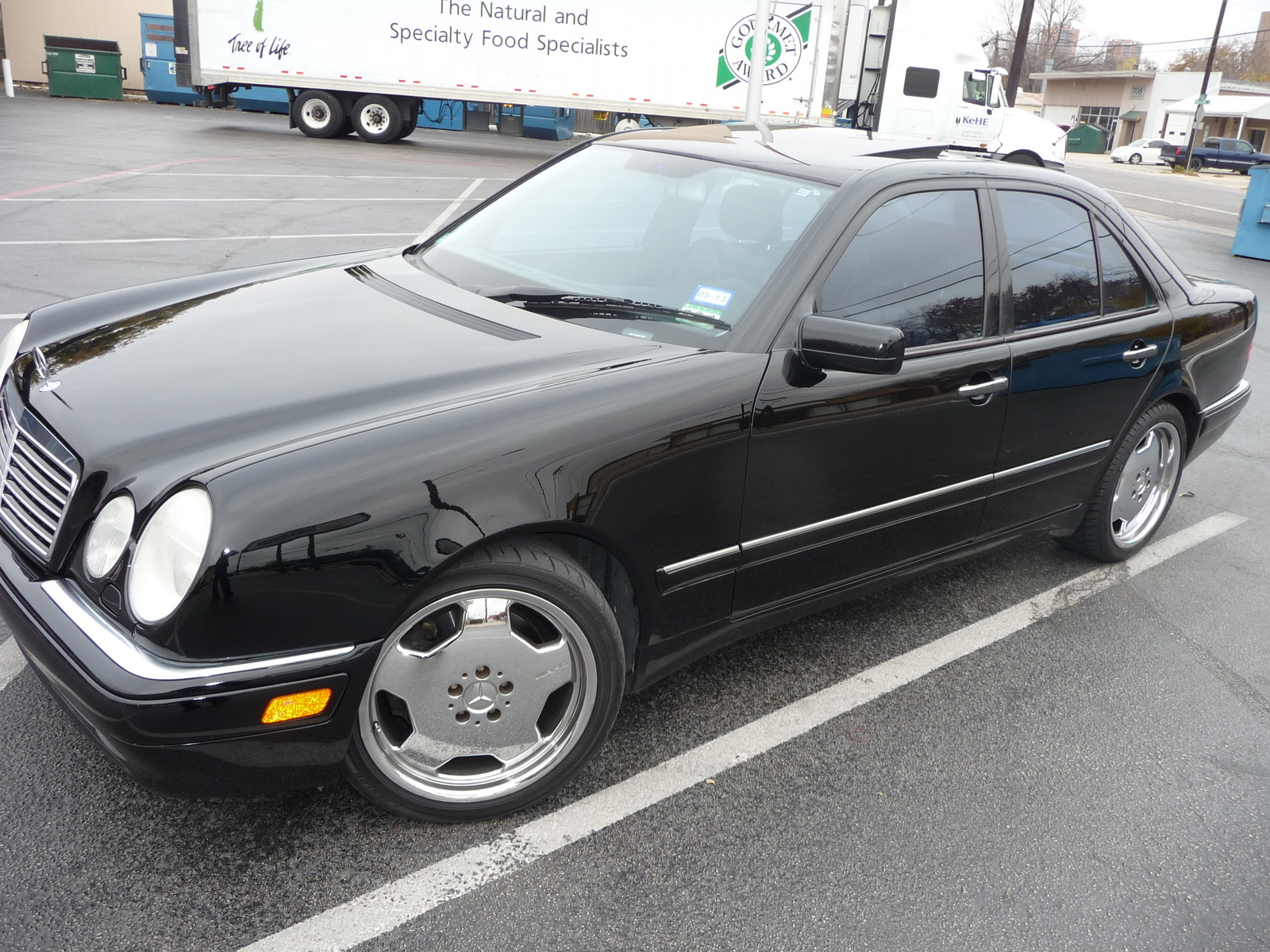 2005 Mercedes Benz E Class Pictures C6086 moreover Mercedes Benz 1997 E420 Fuel Pump Location furthermore 1998 Mercedes E320 Cooling Fan Relay Location also 2002 Mercedes Benz E Class Pictures C6140 additionally 2008 Mercedes Benz E Class Pictures C10410 pi36173294. on 1998 mercedes e320 interior
