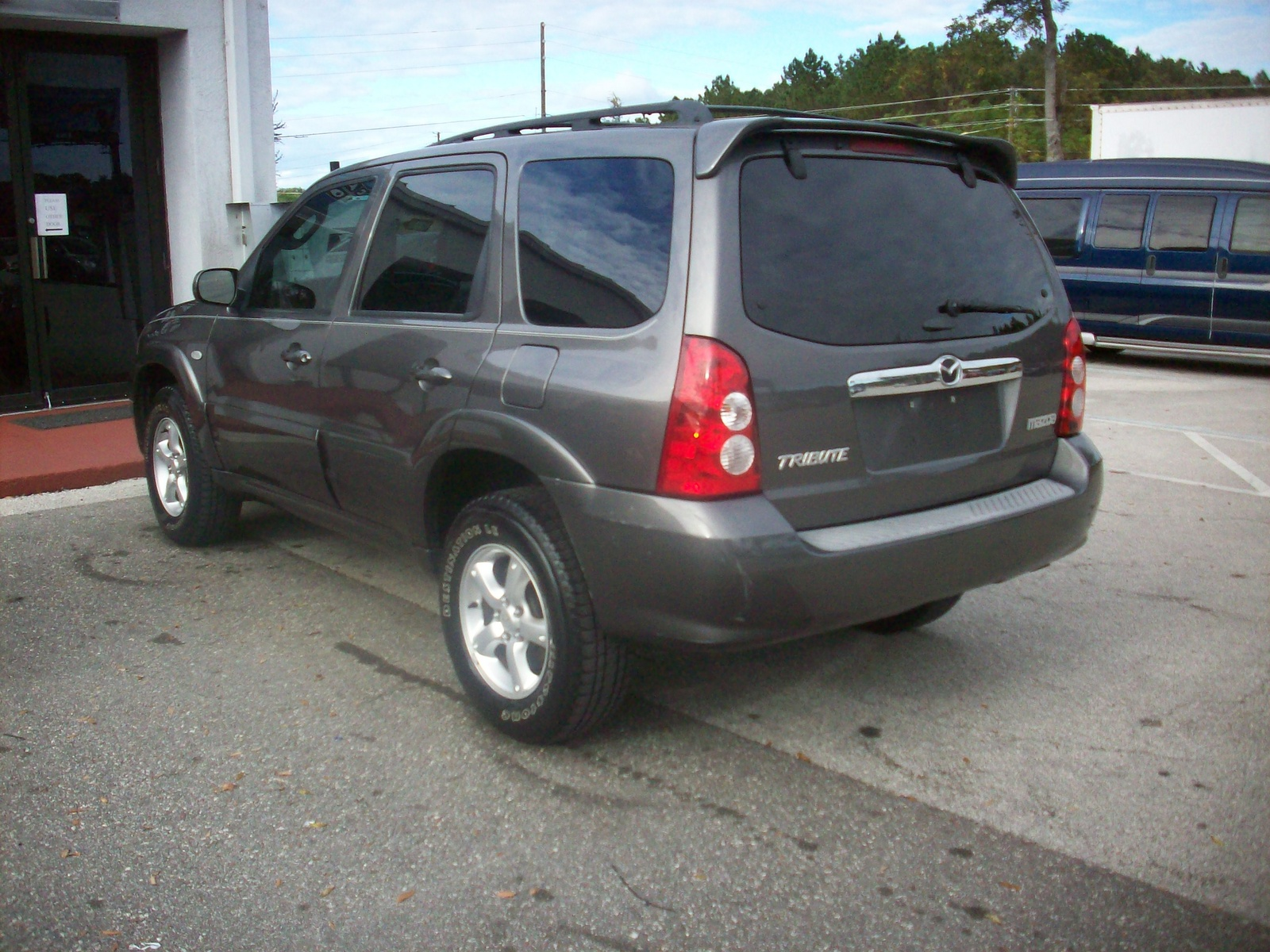 Picture of 2005 Mazda Tribute s