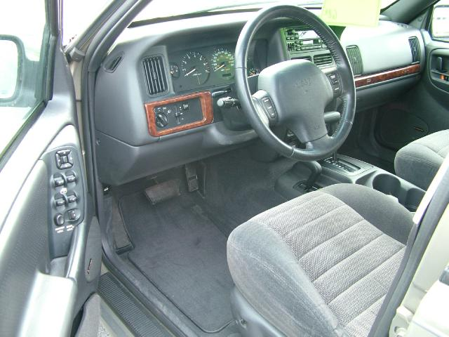 1998 jeep grand cherokee interior pictures cargurus for 1998 jeep grand cherokee interior