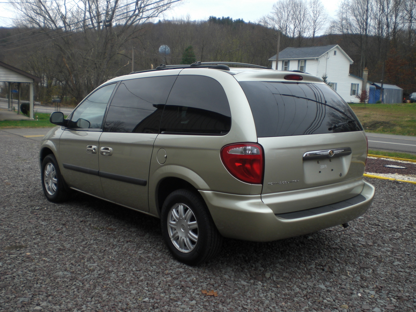 2010 chrysler town and country reviews autos post. Black Bedroom Furniture Sets. Home Design Ideas