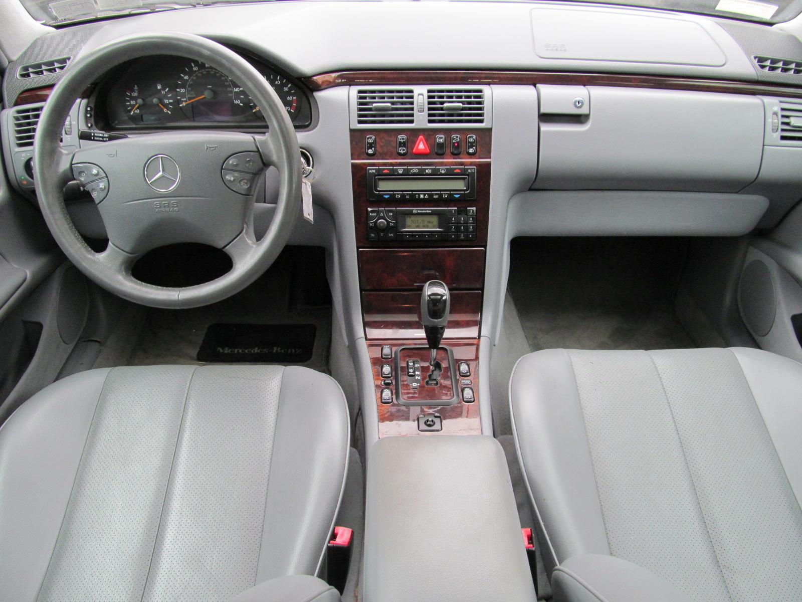 2001 mercedes benz e class interior pictures cargurus for 2001 mercedes benz e320 review