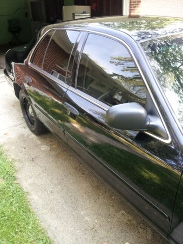 Picture of 2001 Ford Crown Victoria