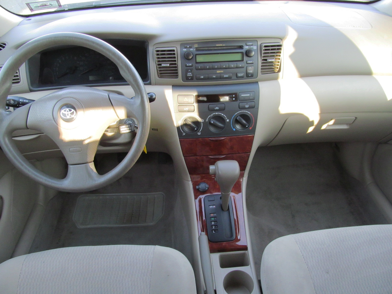 Toyota corolla 2005 interior for Toyota corolla 2003 interior