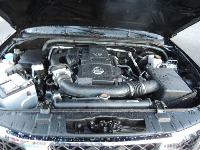 Picture of 2012 Nissan Frontier SL Crew Cab 4WD, engine