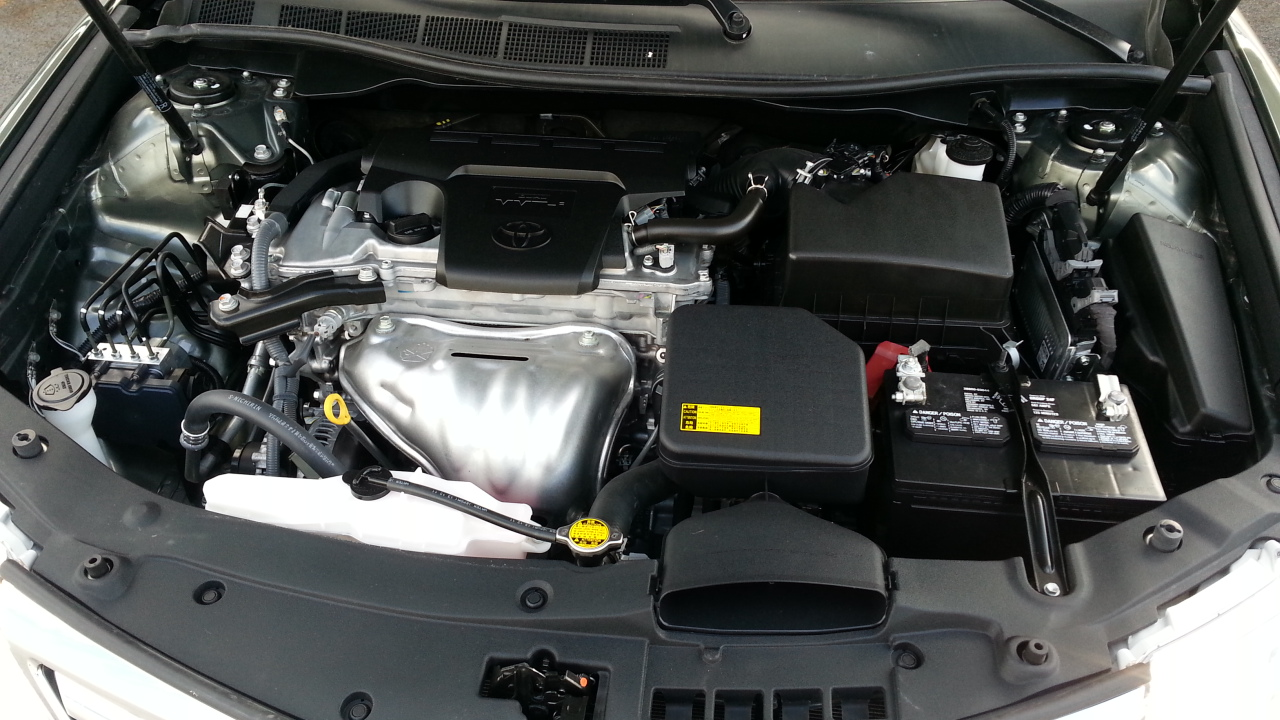 Picture of 2012 Toyota Camry LE, engine