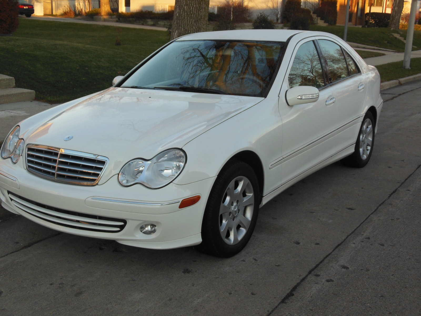 2005 mercedes benz c class pictures cargurus for Mercedes benz suv 2005