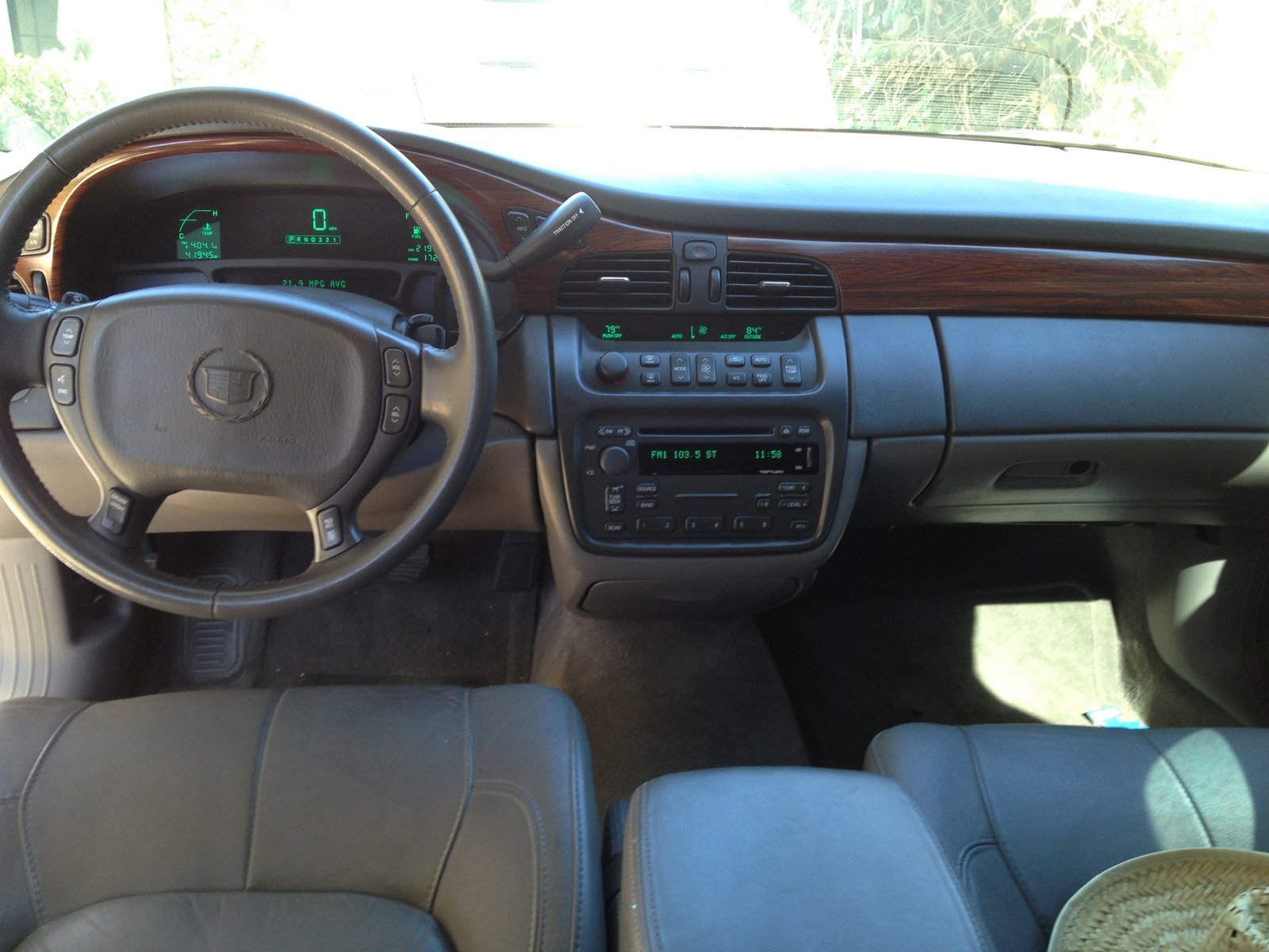 Picture Of 2004 Cadillac Deville Base Interior
