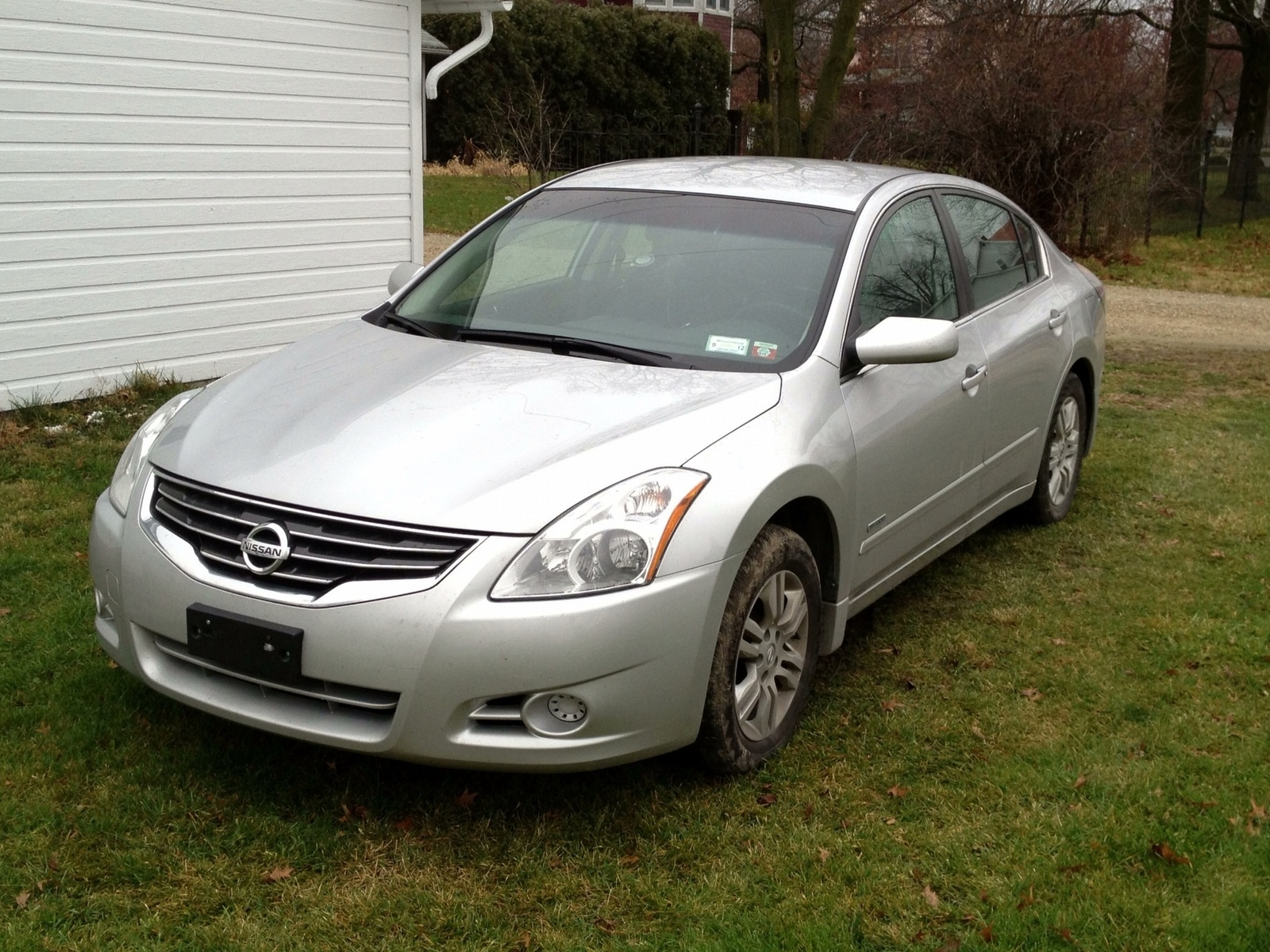 2011 nissan altima hybrid reviews specs and autos weblog. Black Bedroom Furniture Sets. Home Design Ideas