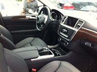 2013 Mercedes-Benz M-Class ML350 4MATIC, ML350 interior- pre wood steering wheel, interior