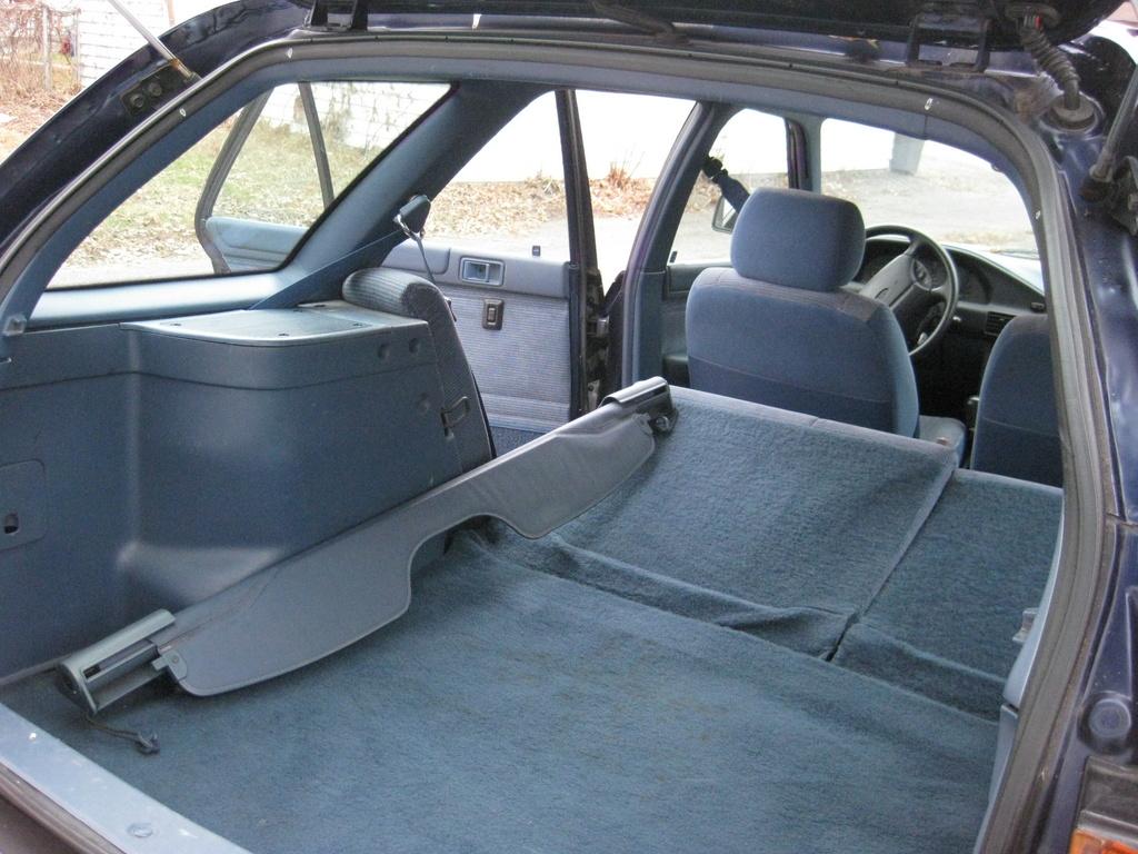 picture of 1996 ford escort 2 dr std hatchback exterior. Black Bedroom Furniture Sets. Home Design Ideas