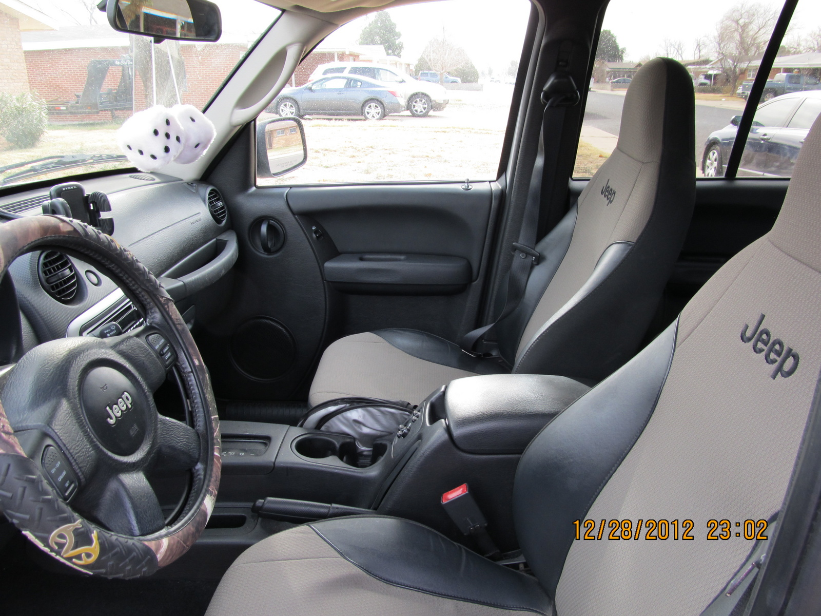 2004 Jeep Liberty - Interior Pictures - CarGurus