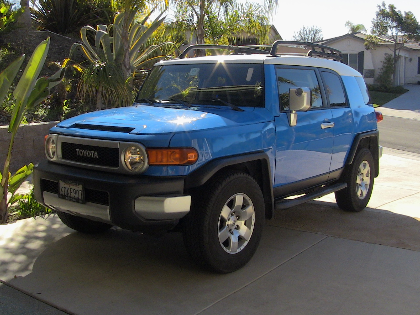 2014 toyota fj cruiser overview cargurus autos post. Black Bedroom Furniture Sets. Home Design Ideas