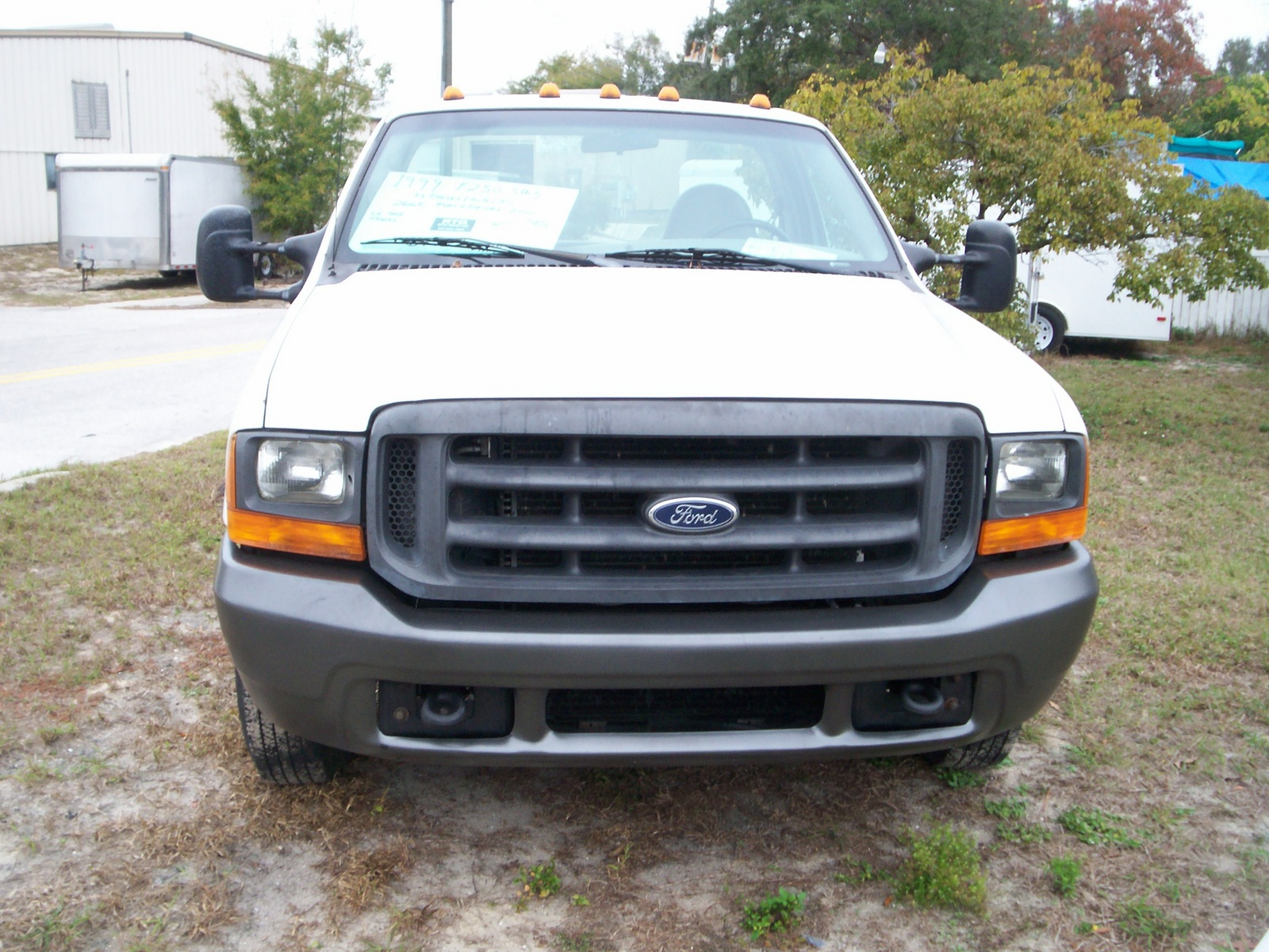 1999_ford_f-250_super_duty_2_dr_xl_stand