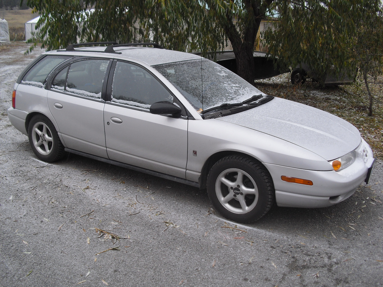 2001 Saturn S-Series 4 Dr SW2 Wagon picture, exterior