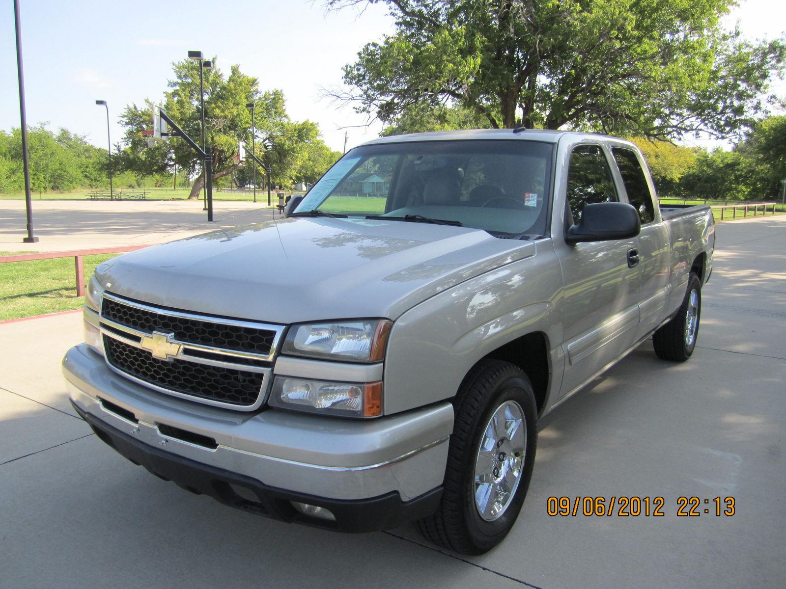 picture of 2007 chevrolet silverado classic 1500 lt1 extended cab 4wd. Cars Review. Best American Auto & Cars Review