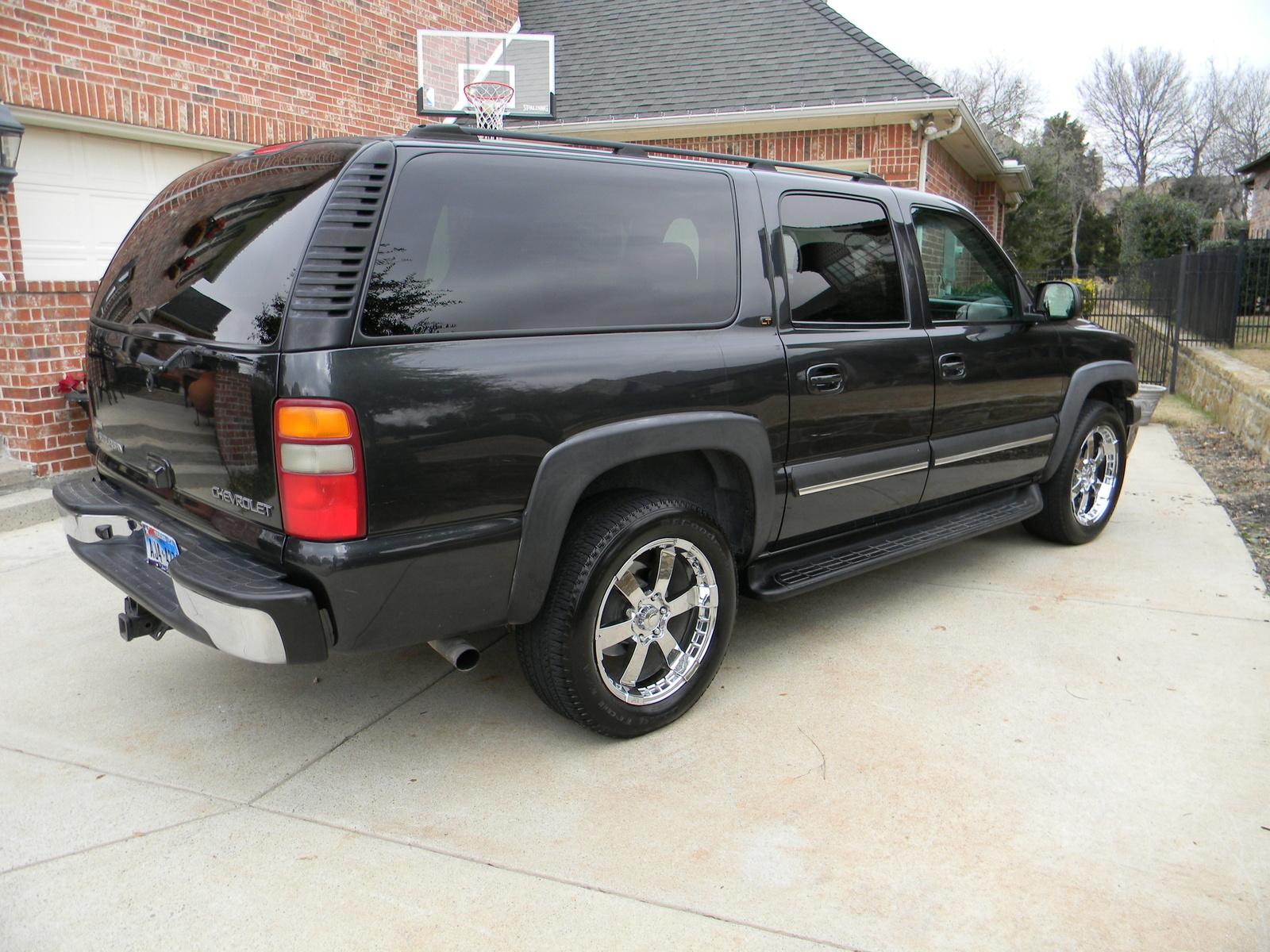 2003 Chevrolet Suburban - Exterior Pictures