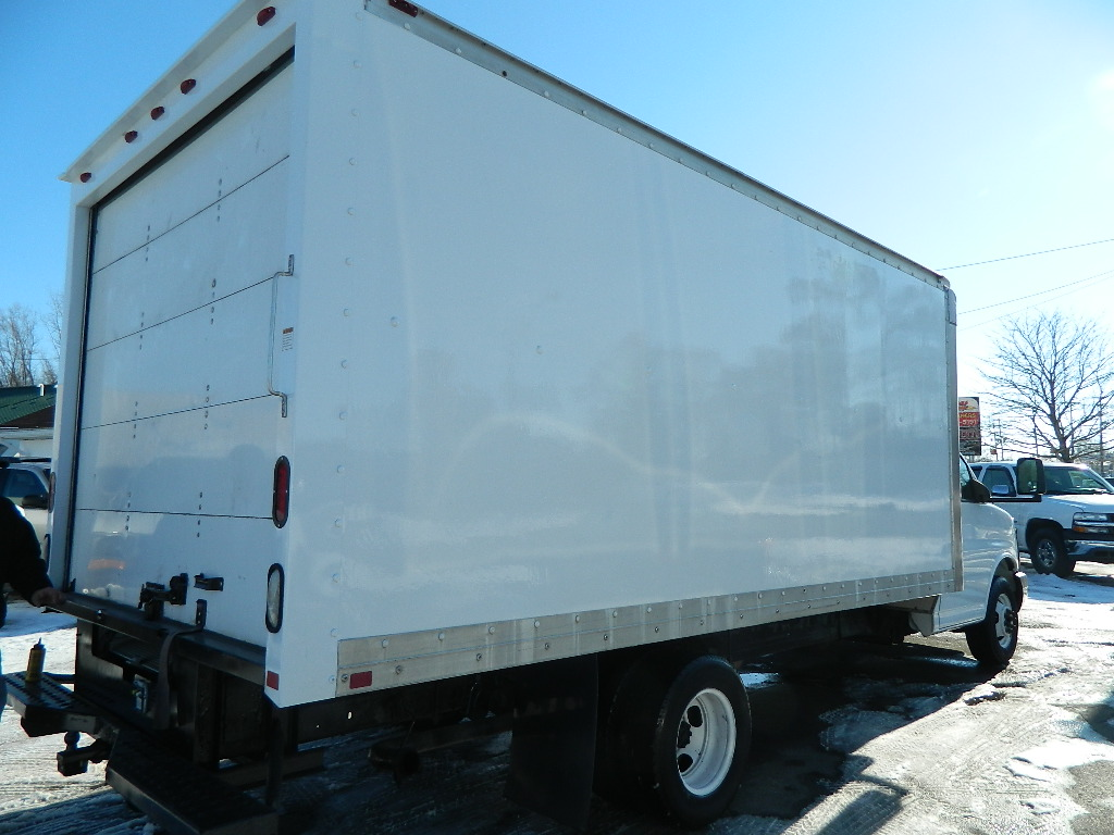 Picture of 2005 GMC Savana G3500 Extended