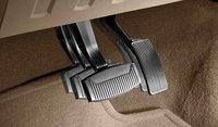 2013 Ford F-450 Super Duty, Adjustable petals, interior, manufacturer