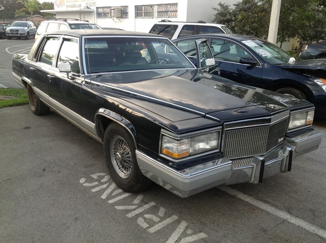 Picture of 1992 Cadillac Brougham