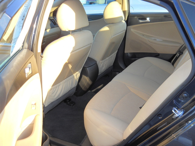 Picture of 2013 Hyundai Sonata GLS FWD, interior, gallery_worthy