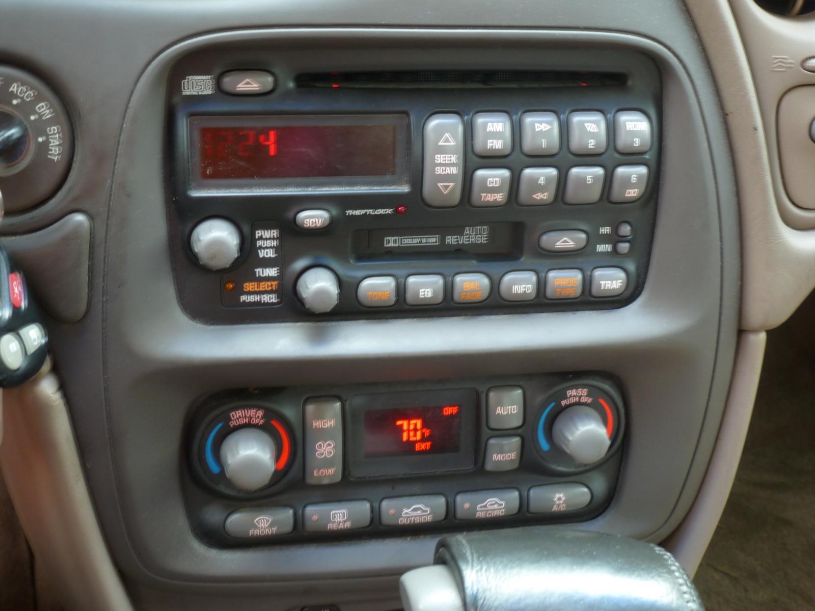 2002 Pontiac Bonneville SLE - Pictures - Picture of 2002 Pontiac ...