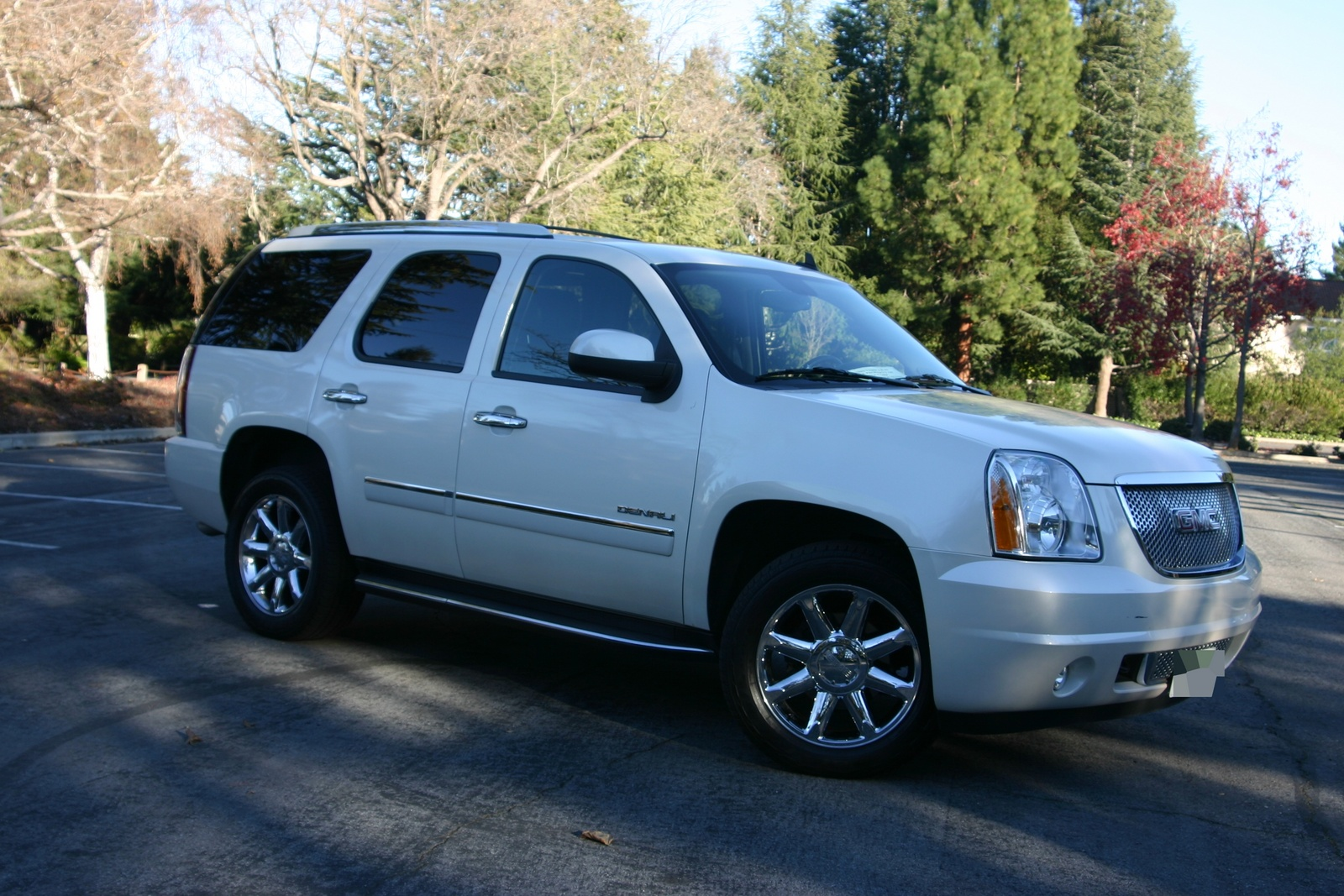 2010 gmc yukon denali pictures cargurus. Black Bedroom Furniture Sets. Home Design Ideas