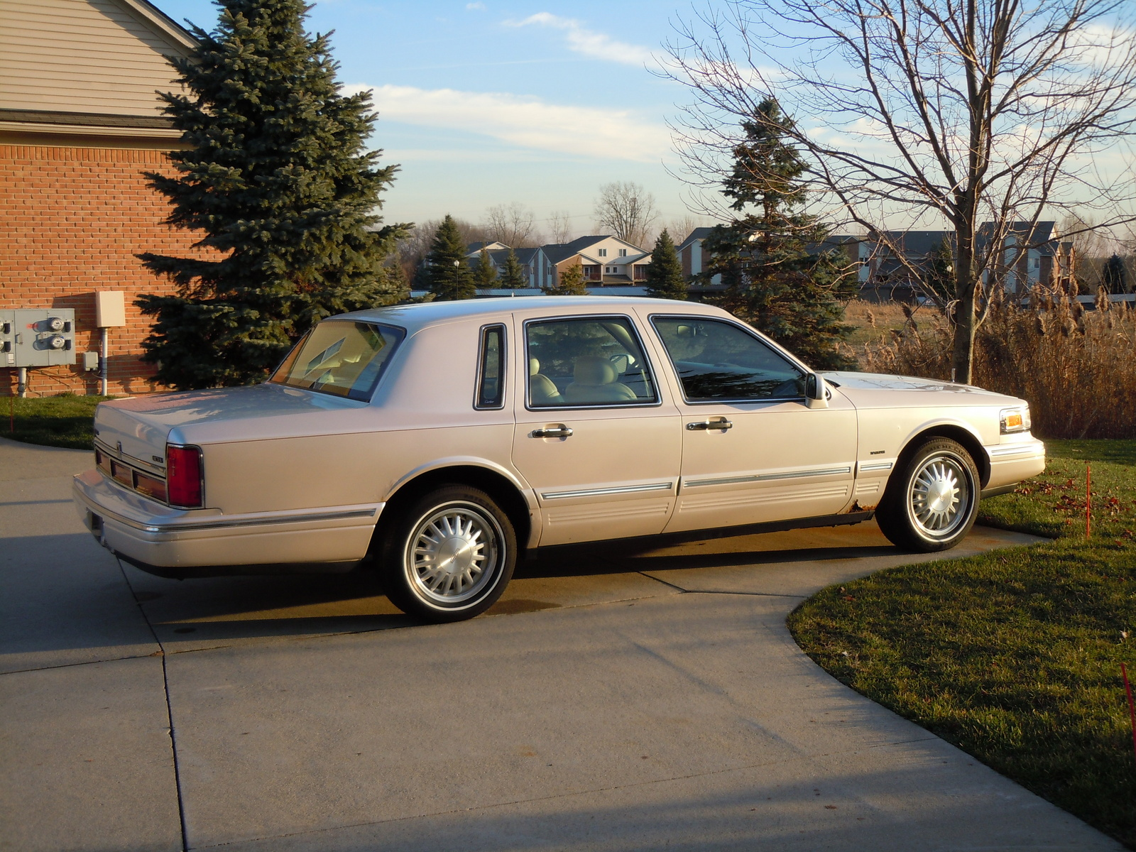 1994 Lincoln Mark Viii Specs1994 Wiring Diagram Lincon 1997 Town Car Pictures Cargurus