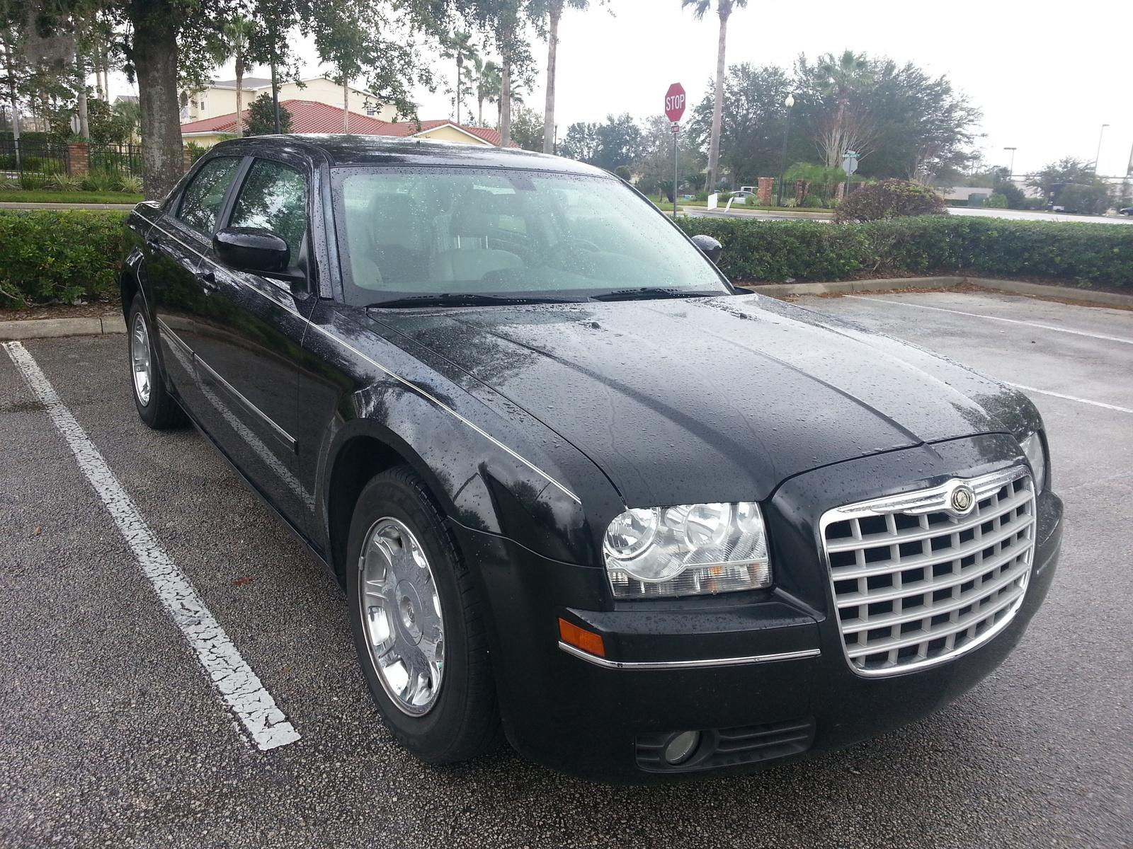 Chrysler Limited Pic