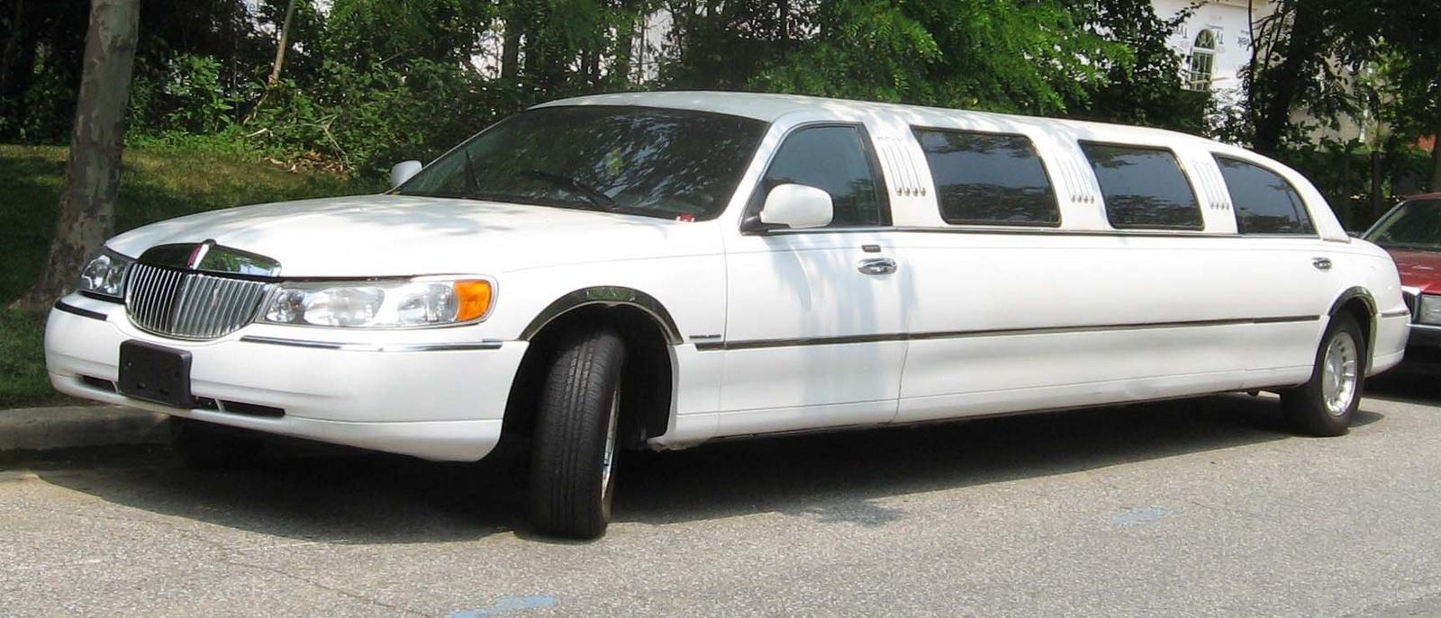 General Questions Which Car Has The Most Rear Leg Room Cargurus Lincoln Town Sleep Mark Helpful