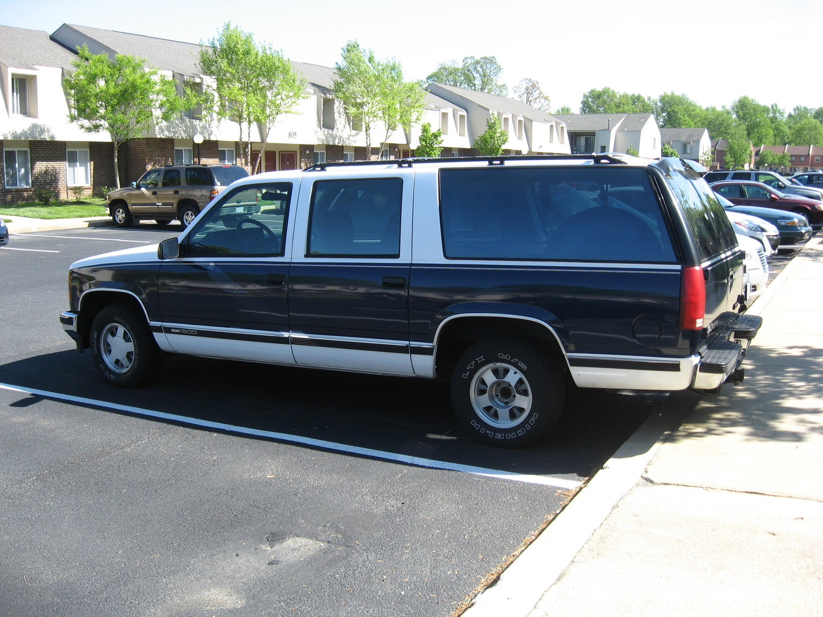 Picture of 1994 GMC Suburban C1500