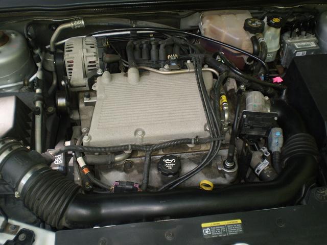 2004 Chevrolet Malibu LT, 3.5 liter V-6 engine LX9 with Sequential Fuel Injection, engine