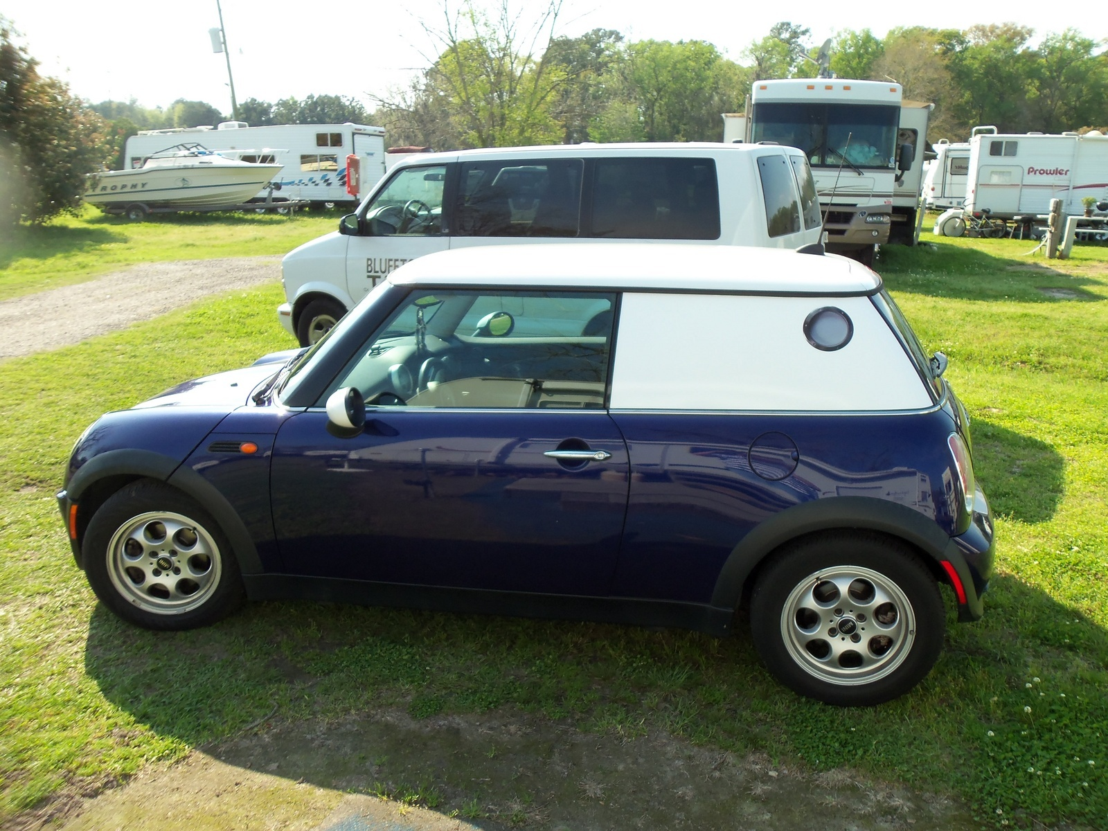 mini cooper questions mini cooper 2005 hatchback would like to lift it 1 to 2 inches is thi. Black Bedroom Furniture Sets. Home Design Ideas