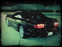 2002 Pontiac Firebird Base, The firebird at night, exterior