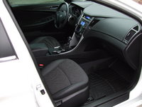 Picture of 2011 Hyundai Sonata SE, interior